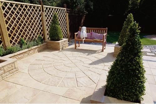 Patio Circles and Garden Stepping Stones Ideas & Advice