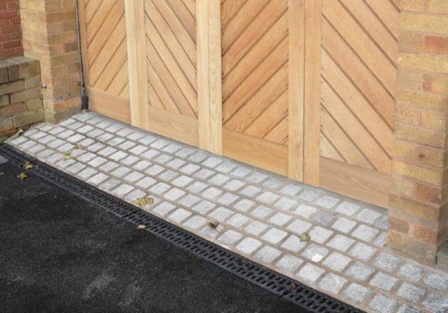 Digby Ice Granite Setts 100mm Singles