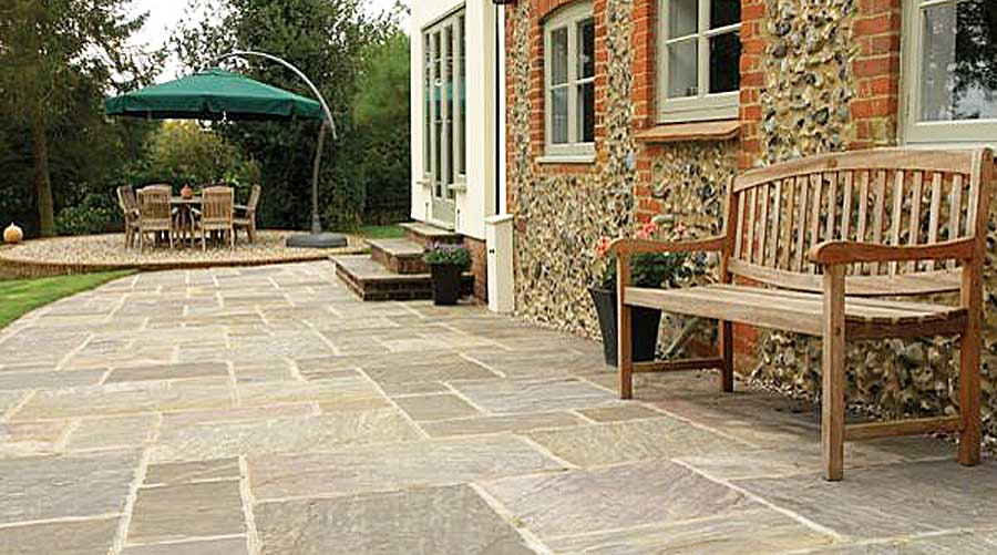 Natural Stone Paving and Flagstones - Paving Ideas For Patios, Paths And Driveways