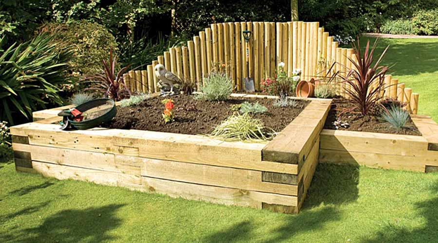 How to create safe low maintenance gardens for the elderly for Low maintenance vegetable garden ideas